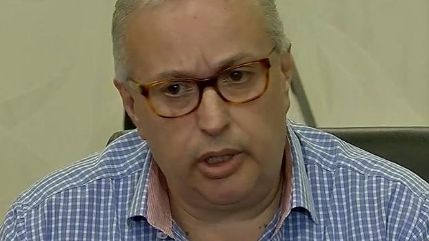 'A motivação do pedido de impeachment é política', diz Roberto de Andrade; oposição se revolta