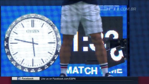 Na vitória de Sharapova, saque da russa simplesmente desmonta relógio da partida; veja a paulada precisa