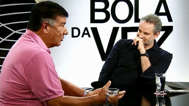 Joel diz que celulares e laptops são 'inimigos' de técnicos e brinca: 'Gosto da minha prancheta'