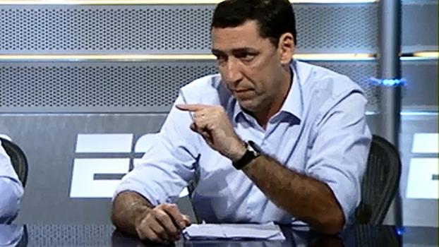 '20 meses atrasados': PVC explica o que o Fluminense deve ao atacante Fred