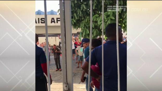 Bate Bola Nordeste comenta invasão e protesto de torcida do Santa Cruz: 'O pior é que ninguém foi preso'