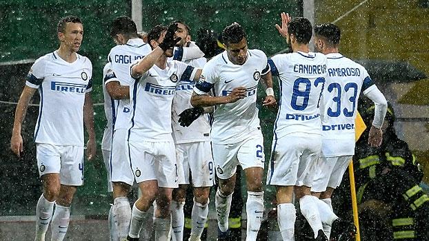 Italiano: Gol de Palermo 0 x 1 Internazionale