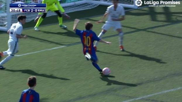 Com defesaças e belos gols, Barcelona bate Real Madrid em semifinal de torneio sub-12; assista