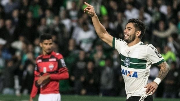 Brasileiro: Gols de Coritiba 4 x 1 Atlético-GO
