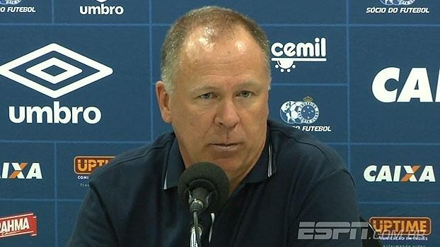 Mano elogia assistente e questiona árbitro: 'É um absurdo não marcar o pênalti a 5 metros do lance'