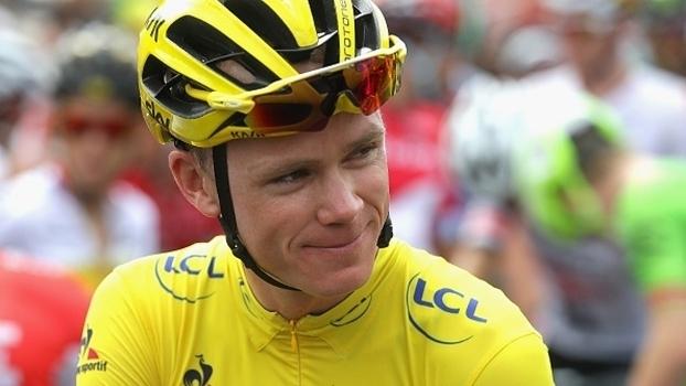 Froome 'desfila' em Paris e garante o tri do Tour de France; Andre Greipel vence etapa