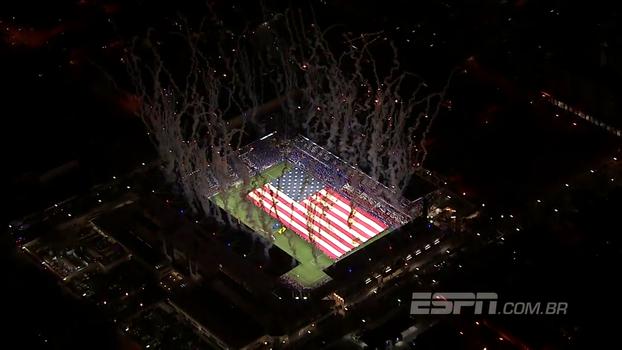 Mosaico, hino cantado, fogos e minuto de silêncio por Las Vegas; veja o emocionante pré jogo dos EUA