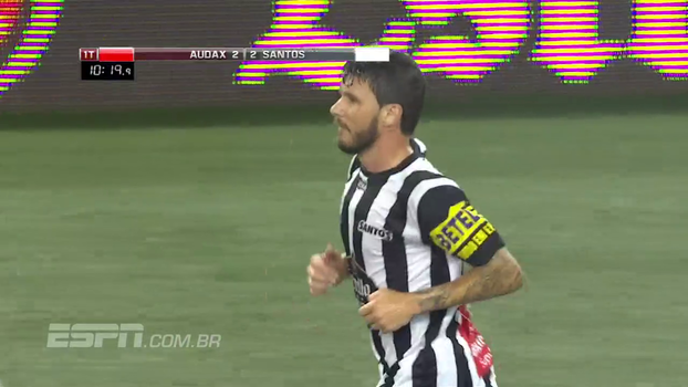 Showbol: Gustavo Nery marca de pênalti para o Santos