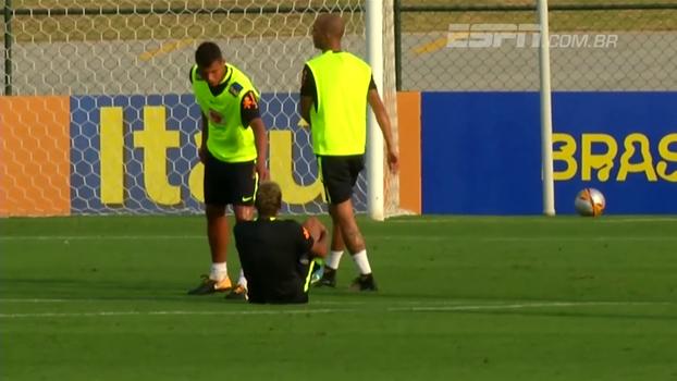 e5c3ba0210 Neymar dá pequeno susto durante treino da seleção brasileira  veja ...
