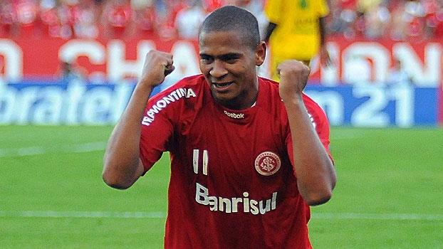 Em 2010, Damião e Walter brilharam, e o Inter venceu o Ypiranga