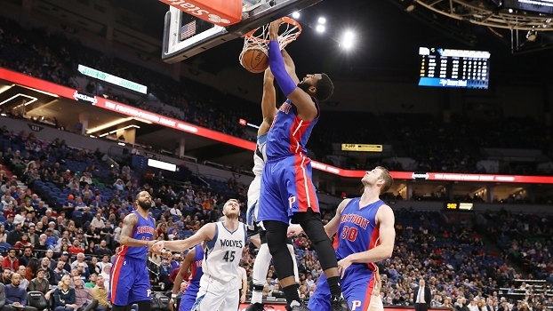 Com 22 pontos e 22 rebotes de Drummond, Pistons vencem Timberwolves fora de casa