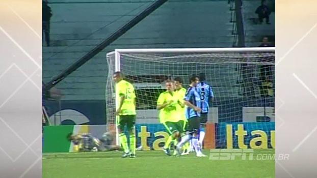 Em 2010, Palmeiras foi ao Olímpico e venceu o Grêmio com golaço de falta e assistência de Marcos Assunção