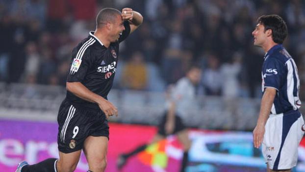 Com direito a gol de calcanhar, Ronaldo fez dois e Real Madrid venceu Real Sociedad em 2005