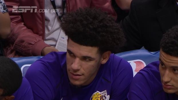 Lakers terminam pré-temporada com vitória sobre os Clippers