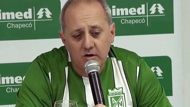 Médico da Chape chama Neto de 'guerreiro' e não descarta volta do zagueiro ao futebol