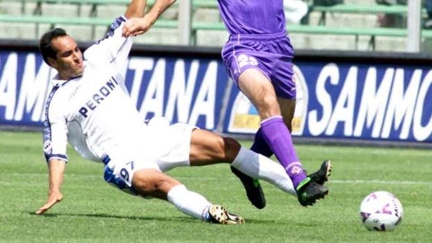 Edmundo fez golaço contra ex-clube e Napoli venceu Fiorentina, mas acabou rebaixado em 2001
