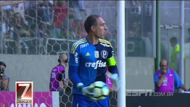Top 10 da rodada tem ousadia de Diego Alves, pênalti defendido por Prass e golaço de Hernanes