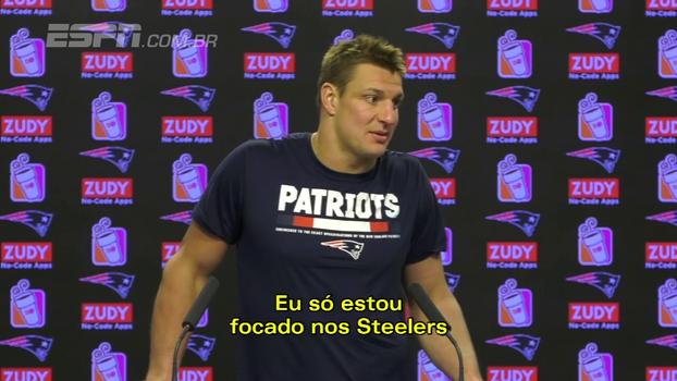 Estrela dos Patriots, Gronkowski foge de perguntas sobre suspensão de um jogo e deixa coletiva após dois minutos
