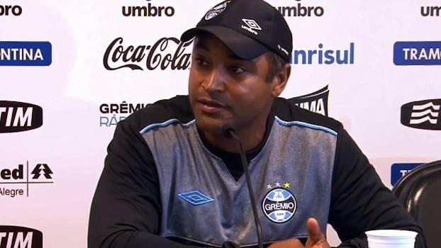 Roger Machado reclama do 'calendário apertado': 'Não consigo ter trabalho diário'