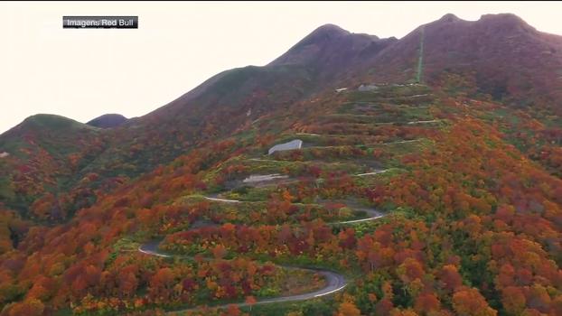 São 69 curvas em um vulcão: veja a corrida de skates que desafia limites no Japão