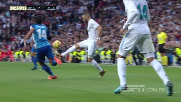 Que categoria! Benzema chapela jogador do Málaga e sai fazendo embaixadinhas
