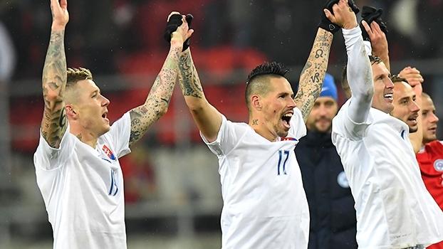 Hamsik marca, e Eslováquia goleia Lituania nas Eliminatórias Europeias