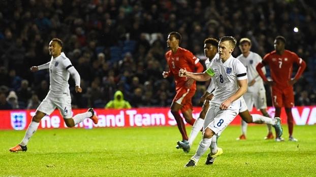 Joia do Arsenal marca, e Inglaterra vence Suíça de virada nas Eliminatórias Euro sub-21