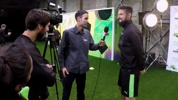 Em lançamento de chuteira, Giroud diz que gol escorpião 'vai ficar na história do futebol'
