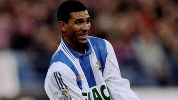 Com golaço de falta de Djalminha, La Coruña passou fácil pelo Real no ano 2000; reveja