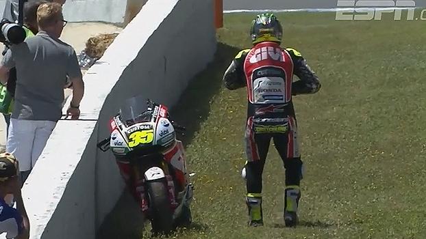 Piloto da MotoGP sofre ataque de abelha durante treino classificatório; veja as imagens