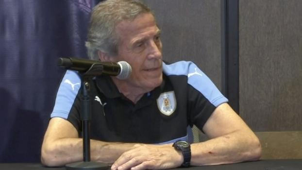 Óscar Tabárez comenta volta de Suárez e prevê boa marcação do Peru
