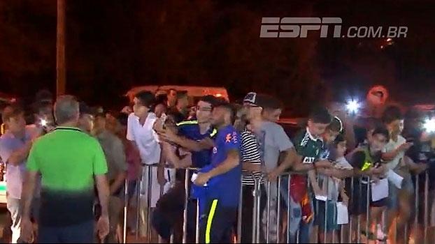 Veja as imagens do desembarque da seleção brasileira em Goiânia