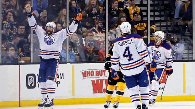Herói improvável, Patrick Maroon marca hat-trick e impulsiona vitória dos Oilers sobre os Bruins