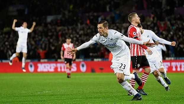Assista aos gols da vitória do Swansea sobre o Southampton por 2 a 1!