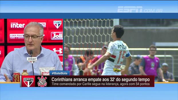 Dorival vê três lances decisivos da arbitragem contra o São Paulo no clássico