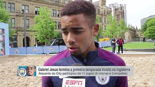 Apesar da temporada sem títulos, Jesus comemora desempenho e adaptação na Inglaterra