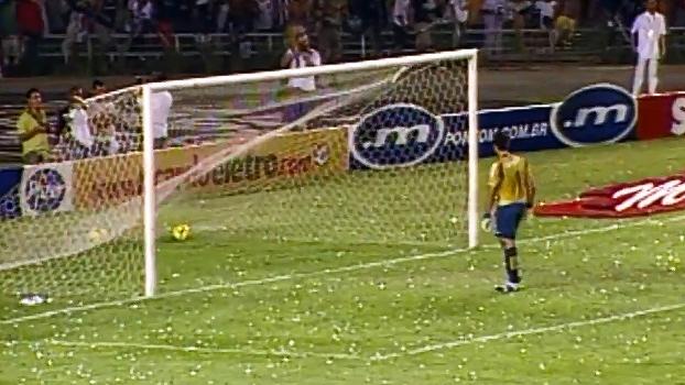 Fábio de costas, demissão e mão na taça; em 2007, Atlético, de Levir, fez 4 a 0 no Cruzeiro na final do Mineiro