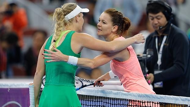Rali monstruoso! Radwanska e Wozniacki trocam 36 bolas em partida pelo ATP de Beijing