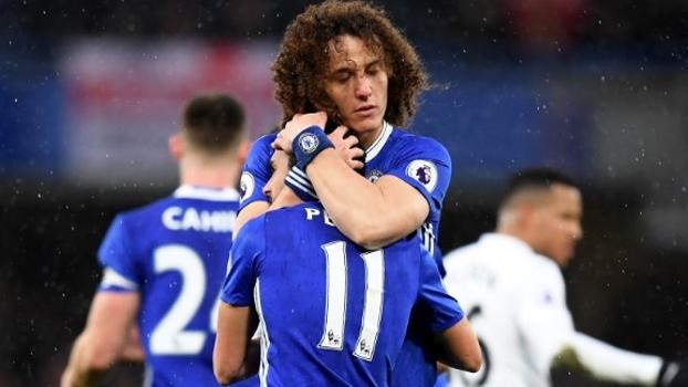 David Luiz comemora vitória do Chelsea e espera frio e muito trabalho no Carnaval inglês