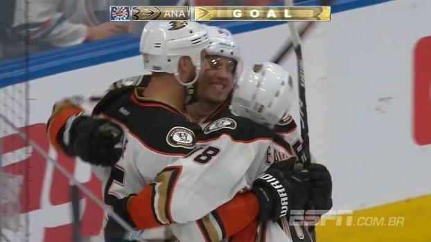 Anaheim Ducks derrpta Edmonton Oilers por 6 a 3 e vence a primeira na série