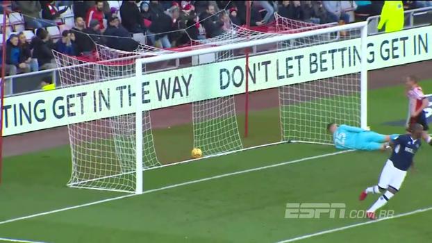 Quatro gols, quatro frangos: jogo na 2ª divisão inglesa tem desempenho ridículo dos goleiros