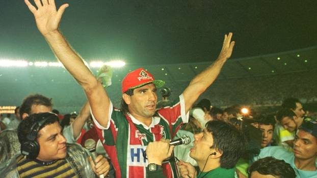 Há 20 anos, Renato Gaúcho marcava o emblemático gol de barriga e dava o título Carioca ao Fluminense