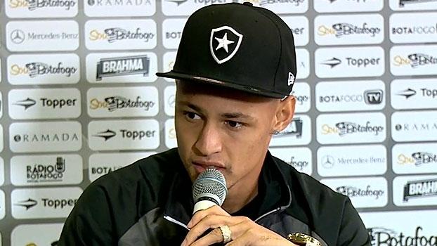 Neílton fala sobre cobranças no Botafogo: 'Torcida tem razão'