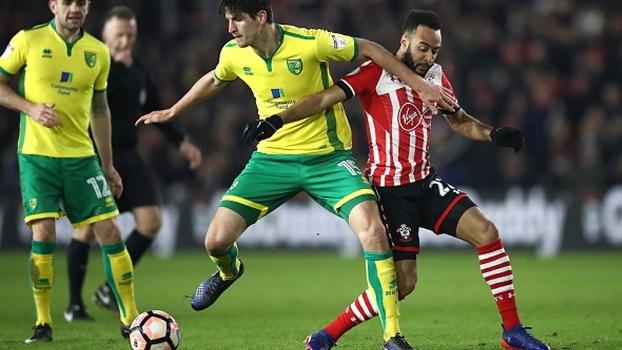Com gol no fim da partida, Southampton bate Norwich e avança na Copa da Inglaterra