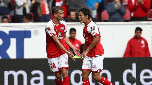 Mainz vence Leverkusen de virada e conquista seus primeiros pontos na Bundesliga