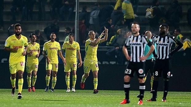 Nantes vence o Angers fora de casa e deixa a lanterna no Francês