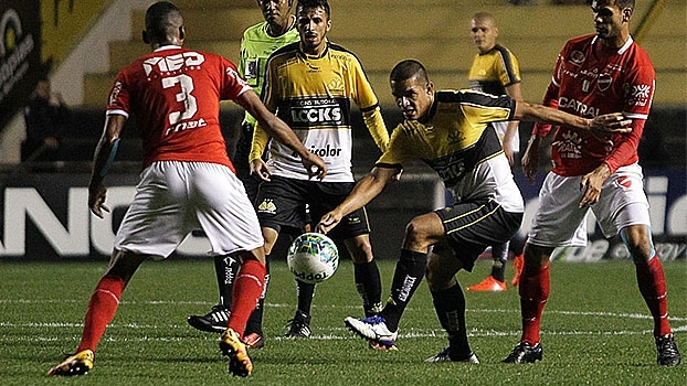 Série B: Gol de Criciúma 1 x 0 Vila Nova