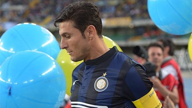 Inter de Milão sai na frente, mas perde para Chievo na despedida de Zanetti