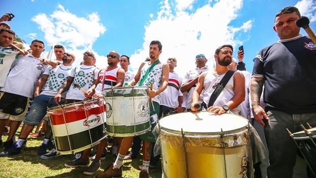 Torcidas dos grandes se unem em São Paulo para homenagear a Chapecoense
