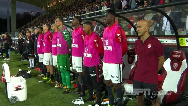 Veja o minuto de silêncio antes de Metz x Monaco em respeito às vítimas dos atentados em Barcelona